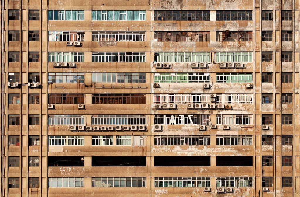 Fassade mit Außengeraeten